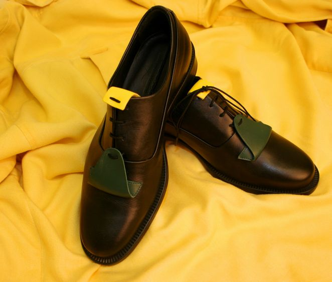 Article 0011 Vitello Leather with Green and yellow detail